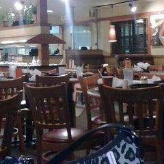 Photo taken at Pizza Hut by J.c. L. on 3/3/2013