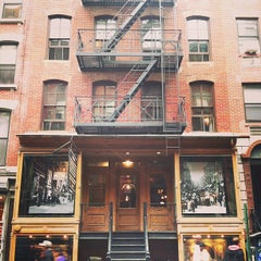 Photo taken at Lower East Side Tenement Museum by Melissa A. on 5/18/2013
