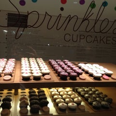 Photo taken at Sprinkles Cupcakes by Patrick P. on 12/5/2012