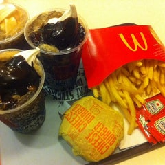 Photo taken at McDonald's by Charisse S. on 5/7/2014