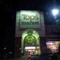 Photo taken at Tops Market (ท็อปส์ มาร์เก็ต) by Dewer K. on 11/3/2012