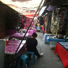 Photo taken at Pasar Chowkit by Sis Ezazue on 6/13/2013
