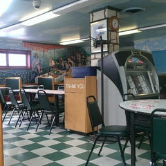 Photo taken at Luiggi's Pizzeria by jeanne m. on 3/2/2013