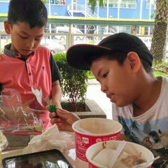 Photo taken at Tutti Frutti by Firdaus M. on 9/19/2015
