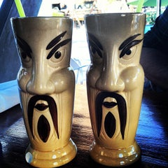 Photo taken at Hula's Modern Tiki by Stephanie B. on 10/19/2012