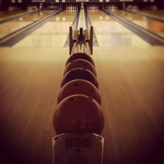 Photo taken at Shatto 39 Lanes by Ana G. on 6/7/2013