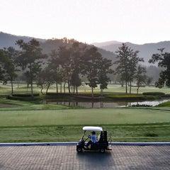 Photo taken at Alpine Golf Resort Chiang Mai (อัลไพน์กอล์ฟรีสอร์ทเชียงใหม่) by Pong S. on 12/19/2014
