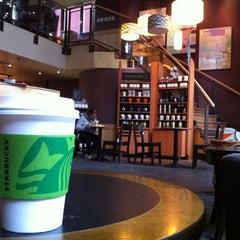 Photo taken at Starbucks by Mauricio L. on 4/4/2011