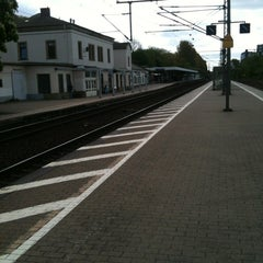 Photo taken at Bahnhof Pinneberg by AndyDre J. on 5/5/2012