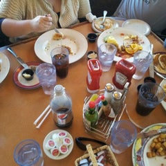 Photo taken at Coco's Bakery Restaurant by Matt F. on 10/30/2011