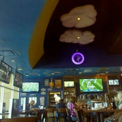 Photo taken at Mellow Mushroom by Swendy A. on 10/2/2011