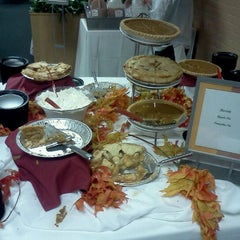 Photo taken at Sherman Dining Hall by dgw on 11/16/2011