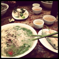 Photo taken at Pho Bang New York by Bào H. on 11/16/2011