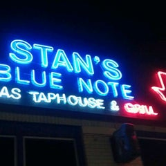 Photo taken at Stan's Blue Note by Ali H. on 1/7/2012