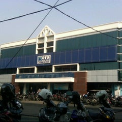Photo taken at PT Summit Oto Finance Bandung 2 by Goes.R.Anto on 6/26/2011