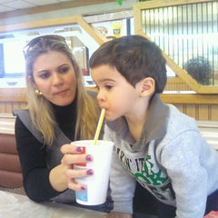 Photo taken at McDonald's by Luthiano V. on 1/15/2012