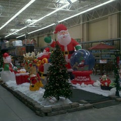 Photo taken at Walmart Supercenter by Smart D. on 9/21/2011