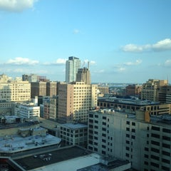 Photo taken at Philadelphia Marriott Downtown by John T. on 7/22/2012