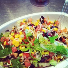 Photo taken at Chipotle Mexican Grill by Donovan W. on 5/21/2012