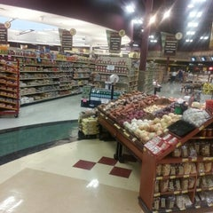 Photo taken at Piggly Wiggly by John R. on 9/1/2012
