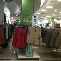 Photo taken at Falabella by Cata C. on 5/4/2012