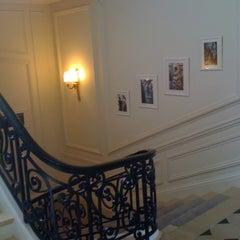 Das Foto wurde bei Christian Dior von ViaComIT am 3/27/2012 aufgenommen