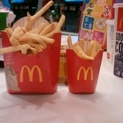 Photo taken at McDonald's by Kristain V. on 2/18/2012