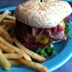 Photo taken at Square 1 Burgers & Bar by Ham n C. on 6/23/2012