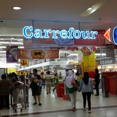 Photo taken at Transmart Carrefour by David Christian A. on 3/15/2014