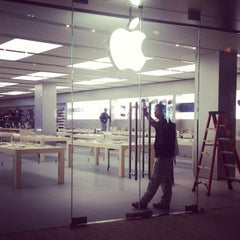 Photo taken at Apple Store, City Creek Center by Bryan T. on 11/17/2012