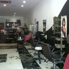 Photo taken at Steven Hair Saloon by v. d. on 7/27/2013