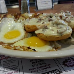Photo taken at Crossmill Diner by Kevin W. on 5/23/2013