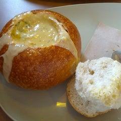 Das Foto wurde bei Panera Bread von Erin D. am 12/27/2012 aufgenommen