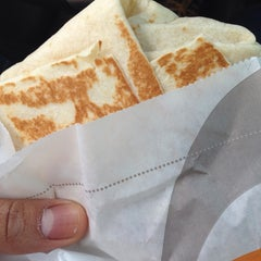 Photo taken at Taco Bell by Rafael R. on 5/3/2014