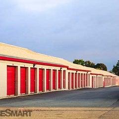 Photo taken at CubeSmart Self Storage by Jessie H. on 10/2/2015