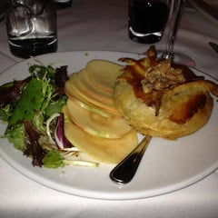 Photo taken at Fleming's Prime Steakhouse & Wine Bar by Nando S. on 12/8/2012