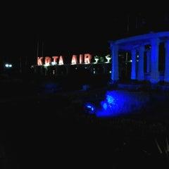 Photo taken at Bundaran Kuala Kapuas by Citra H. on 8/1/2013