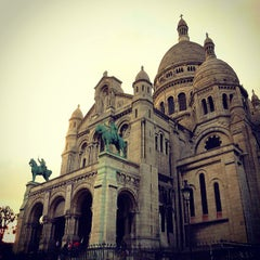 Photo taken at Basilique du Sacré-Cœur de Montmartre by Eduardo B. on 6/1/2013