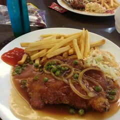 Photo taken at Noodle Station SACC by Norazizah M. on 1/29/2015