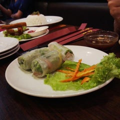 Photo taken at Do An Vietnamese Experience by Sandy H. on 3/25/2014