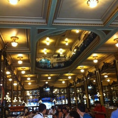 Photo taken at Confeitaria Colombo by Gustavo L. on 3/26/2013