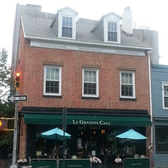 Photo taken at Le Grainne Cafe by Jessica L. on 7/13/2013