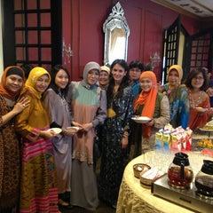 Photo taken at インドネシア共和国大使館 (Embassy of the Republic of Indonesia) by Ita B. on 8/7/2013