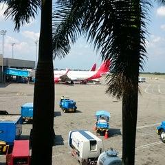 Photo taken at Aeropuerto Internacional Alfonso Bonilla Aragón (CLO) by Carlos T. on 3/27/2015
