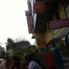 Photo taken at Signature Hotel by Paramanathan N. on 3/20/2013