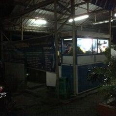 Photo taken at Nasi Goreng Ortega by Bimo R. on 1/26/2012