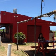 Photo taken at Romy's Kahuku Prawns & Shrimp Hut by Julie . on 5/7/2013
