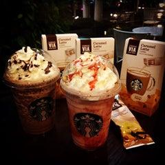 Photo taken at Starbucks (สตาร์บัคส์) by Kanz E. on 7/17/2015