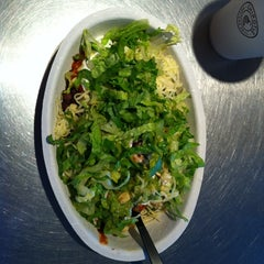 Photo taken at Chipotle Mexican Grill by Niraj B. on 6/29/2013