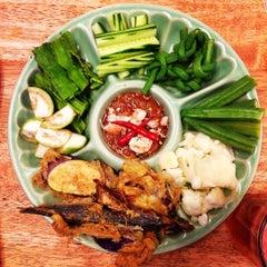 Photo taken at Alissara Thai Cuisine by Artid J. on 8/21/2015